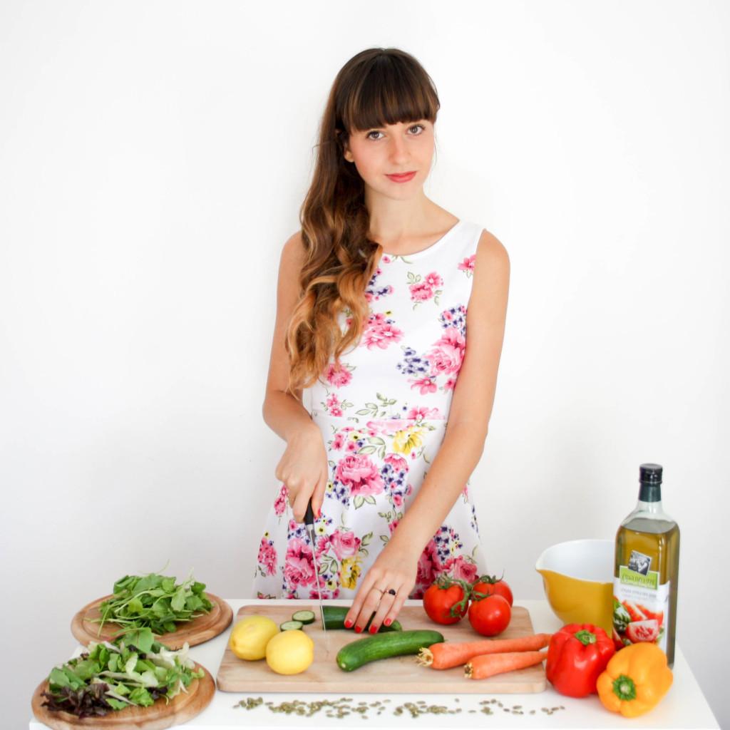 salad topping that makes you fat 5 התוספות שהורסות לך את הדיאטה-2