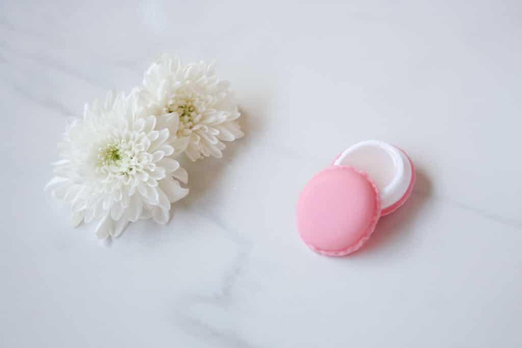 2 Ingredient Dry Lip Scrub all natural - coconut oil and sugar -- פילינג לשפתיים יבשות בחורף מ- 2 מרכיבים בלבד