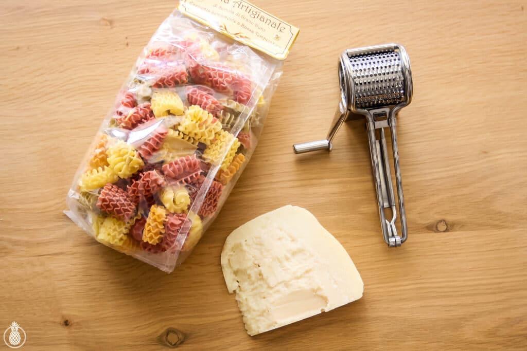 Pasta with Olive Oil and Green Veggies Healthy Recipe || פסטה איטלקית ברוטב שמן זית והמון ירקות ירוקים - מתכון