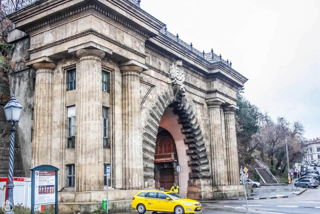 Trip Guide To BUDAPEST, HUNGARY- FLIGHTS, HOTEL, FOOD AND GOOD SPOTS!! = WANDERLUST || מדריך טיול לבודפשט, הונגריה - טיפים לטיסות, מלונות, אוכל, קניות, וכל הדברים ששווה לראות בעיר